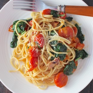 Roasted Tomato, Spinach & Bacon Pasta