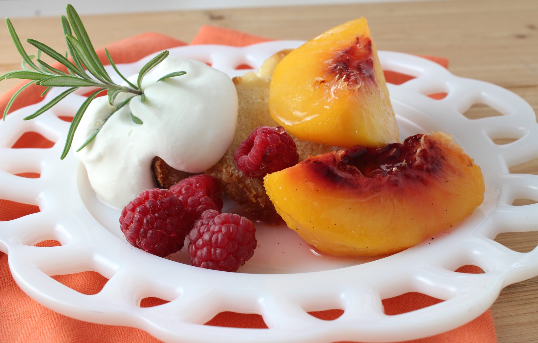 Rosemary-Vanilla Poached Peaches | My Delicious Blog