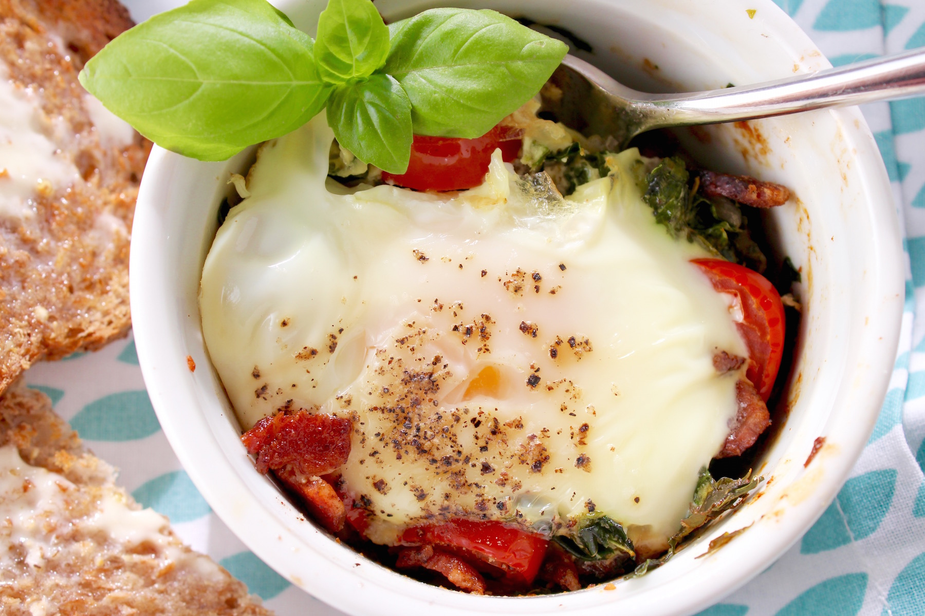 Baked Egg with Moringa