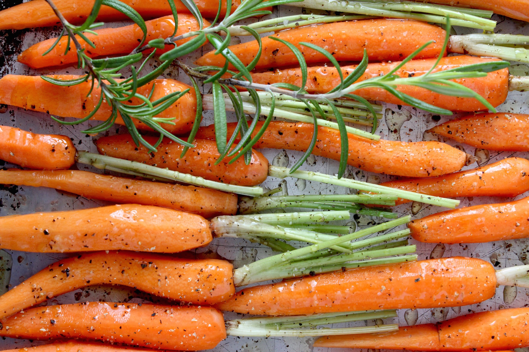 Carrots on Roasting Pan